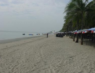 Пляж Банг Саен (Bang Saen Beach)